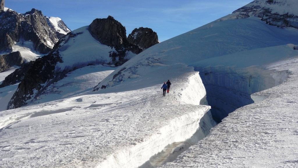 crevasse glacier entrêves